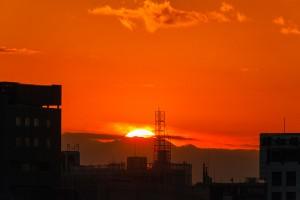 ラボ東京ビル・屋上から、「ダイヤモンド富士」